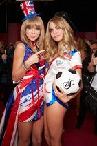 Fashion-show-backstage-2013-taylor-swift-cara-delevingne-british-invasion-victorias-secret-hi-res
