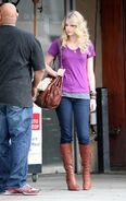 Taylor Swift Outside Jerry22s Deli in LA 823 122 755lo