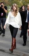 Taylor+Swift+arrives+Central+Park+perform+8GY74T4fjSRl