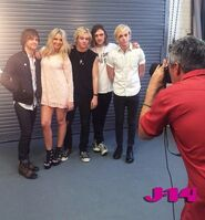 R5-behind-the-scenes-photoshoot-10