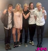 R5-behind-the-scenes-photoshoot-11