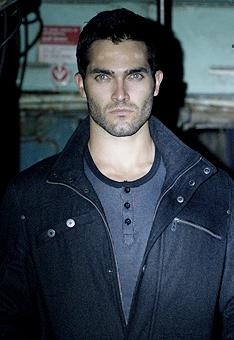 Derek Hale Season 2 Image - 2-01-Omega-der...