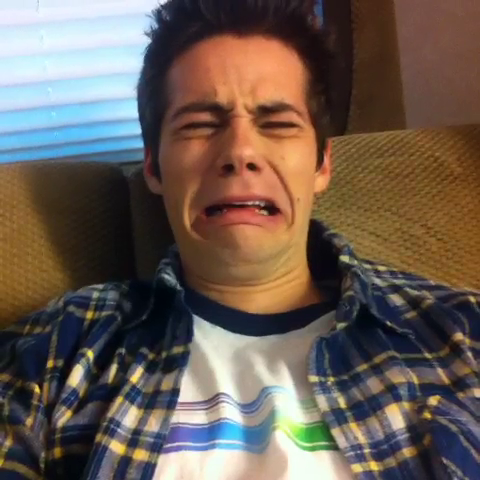 Datei:Teen Wolf Season 3 Behind the Scenes Dylan OBrien Vine.png