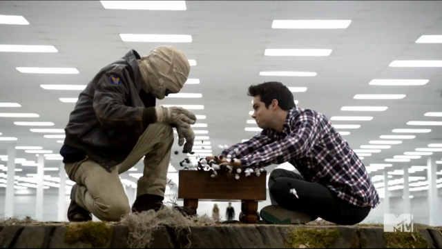Datei:Teen Wolf Season 3 Episode 22 De Void Stiles Breaks Free.png