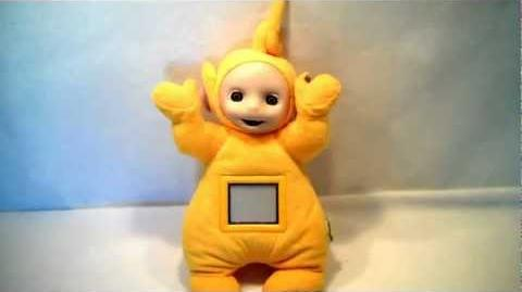 1998 ActiMates Interative Teletubbies Laa-Laa plush toy by Microsoft Corpation