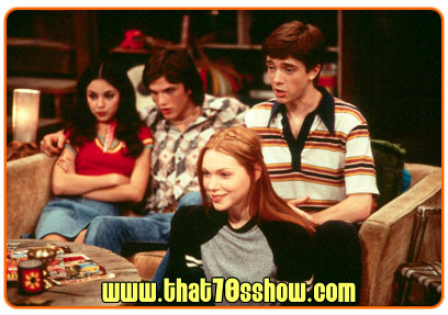 File:Jackie, Michael, Eric and Donna watching TV.jpg