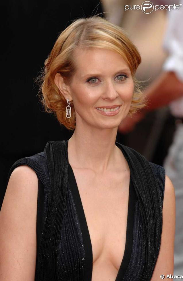 Cynthia Nixon earned a  million dollar salary, leaving the net worth at 60 million in 2017
