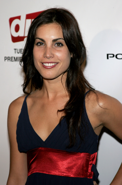 Carly Pope The Tomorrow People Wiki Fandom Powered By