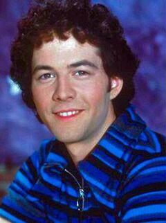 Christopher-Daniel-Barnes as Greg Brady