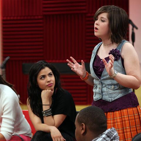 File:Glee-project-ep3-640x640-06.jpg