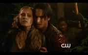 1x04-Murphy takes Clarke hostage 2