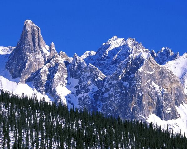 File:Mountain range.jpg