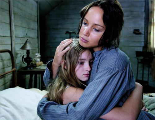 File:Katniss prim hug.jpg