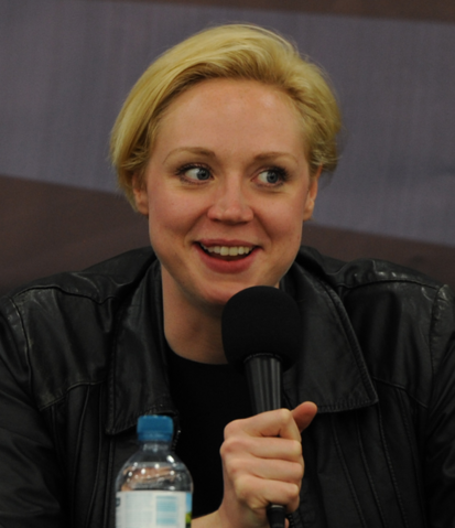 File:Gwendoline Christie en London Film & ComicCon, 2012.png