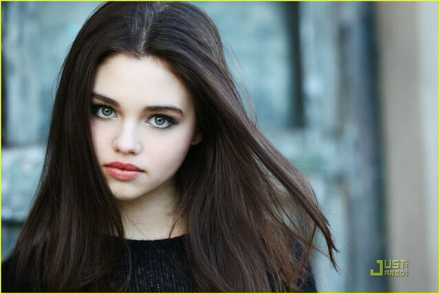 File:India-Eisley-the-secret-life-of-the-american-teenager-18485618-1222-817.jpg