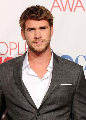 'The Hunger Games': Liam Hemsworth Called Kissing Jennifer ...