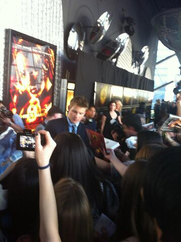 File:Hunger Games Premiere 1.jpg