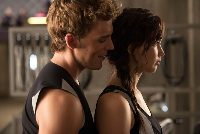File:Official-Catching-Fire-Image-Katniss-Finnick-Training-Center.jpg