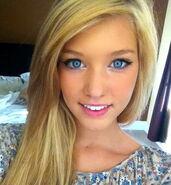 Lauren Nova RL