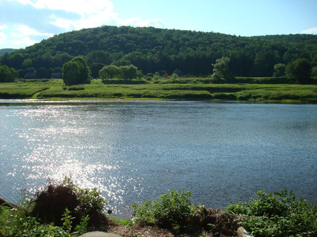 File:Delaware River New York.jpg
