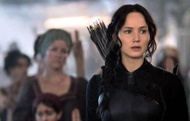 File:Katniss District 8 still.jpeg