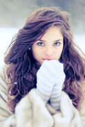 Blue-eyes-curly-hair-globes-pretty-girl.-snow-thinspiration-white-Favim.com-69980