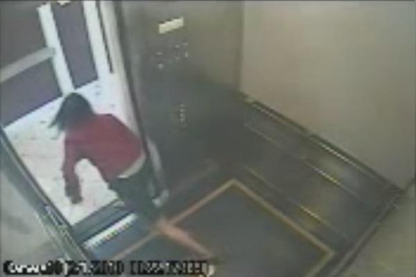 File:Elisa Lam running to her death.jpg