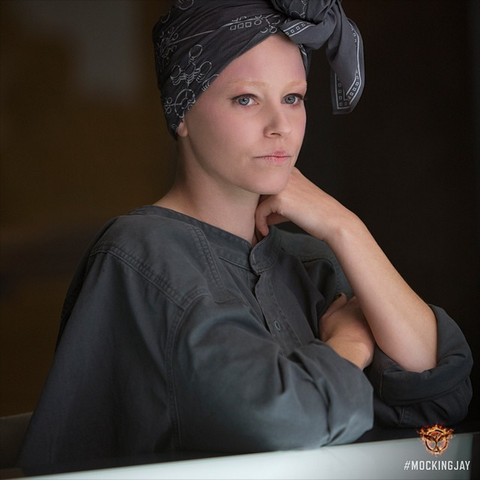 File:Thg-mockingjay-effietrinket.png