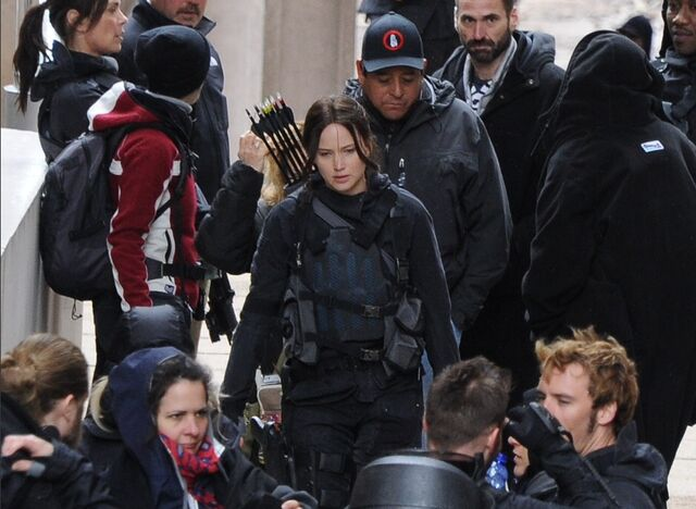 File:JLaw on set 6.jpeg