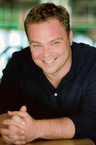 Drew Powell with a weight of 102 kg and a feet size of N/A in favorite outfit & clothing style