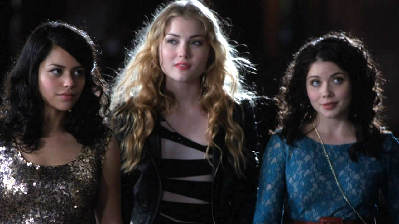 Girls Night Out | The Nine Lives Of Chloe King Wiki ...
