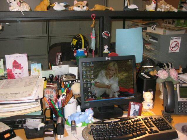 File:Angela'sDesk.jpg
