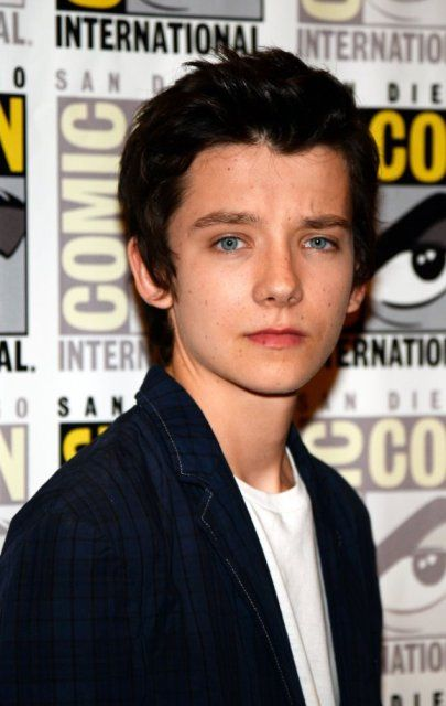 asa butterfield рост