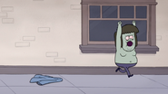 S4E12.036 Muscle Man Runs Off Without His Shirt