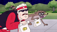 S7E21.287 Rigby and Jablonski Crawling to Finish Line