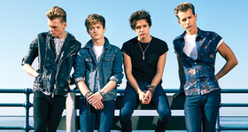 Meet-the-vamps-album-1396454872-large-article-0