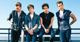 Meet-the-vamps-album-1396454872-large-article-0