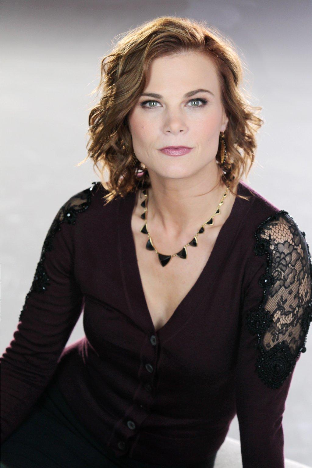 Gina Tognoni as phyllis newman