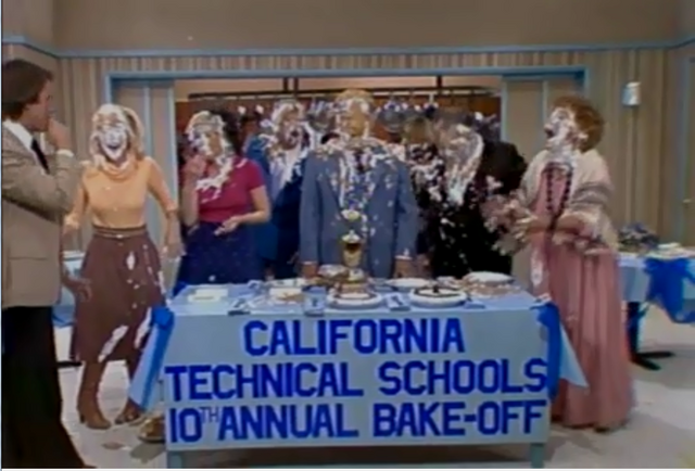 File:TC episode 3x19 - The Bake Off - Pie Fight.png