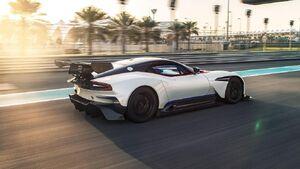 Top-Gear-TV-trailer-features-Aston-Martin-Vulcan-2