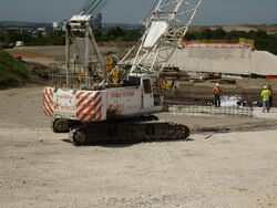 Select plant Crawler crane