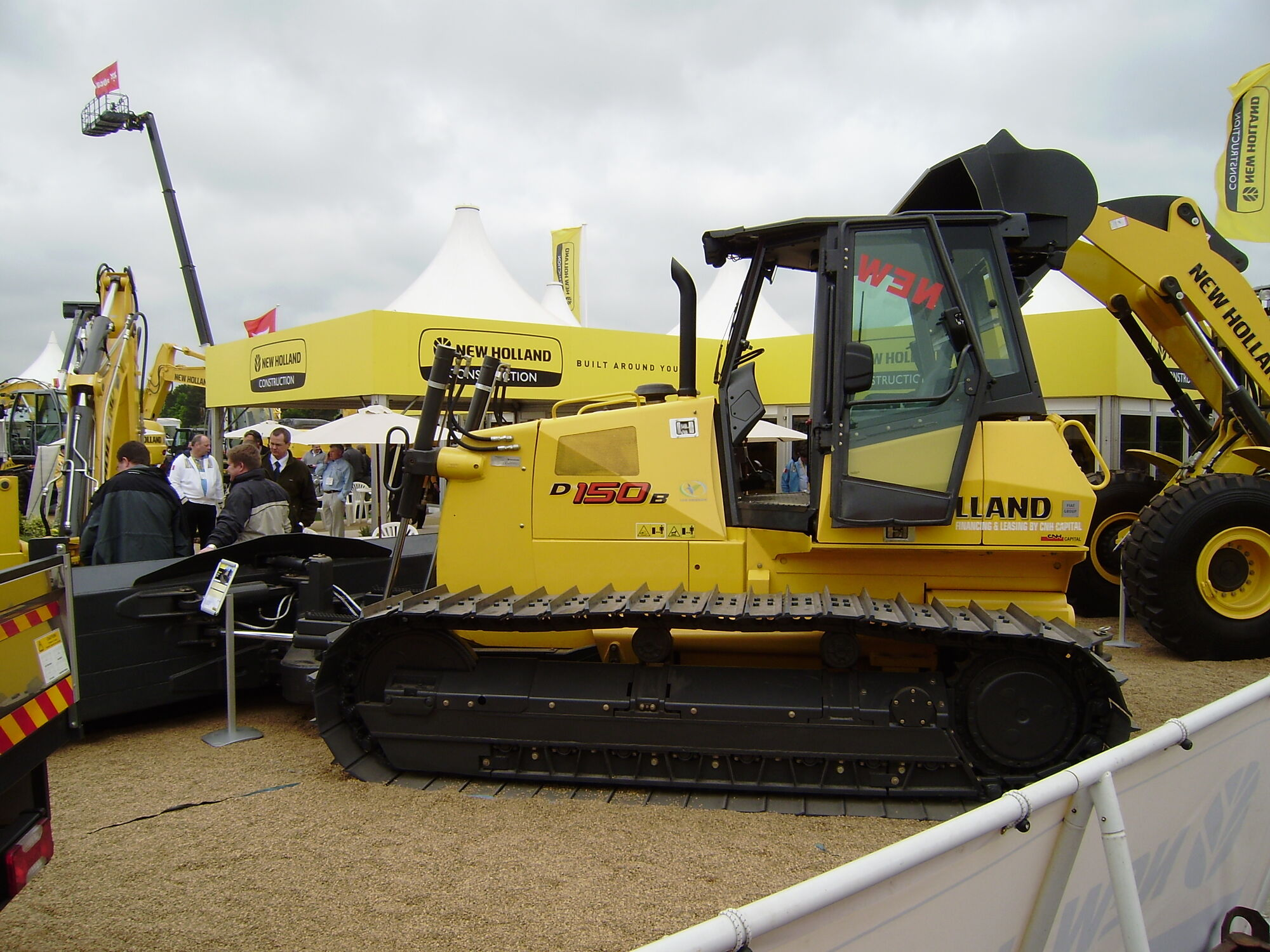 new holland construction tractor construction plant wiki fandom powered by wikia. Black Bedroom Furniture Sets. Home Design Ideas