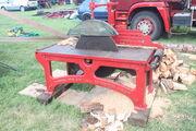 Marshall Saw bench at Carrington 2010 - IMG 5214