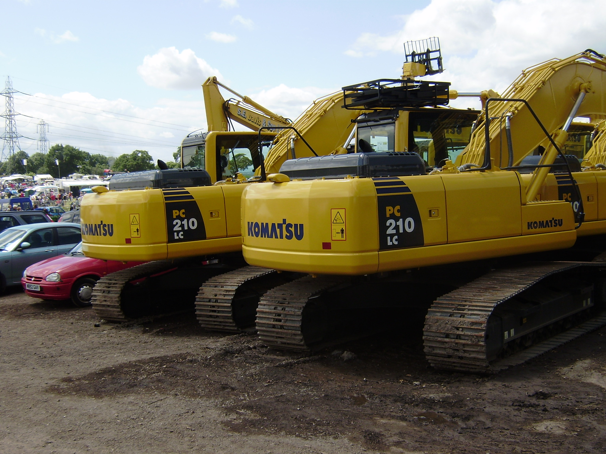 komatsu tractor construction plant wiki fandom powered by wikia komatsu pc130 p6150180 middot komatsu pc210 p6150181