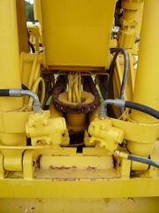 Hymac 480 slew & ram valves - P8030343