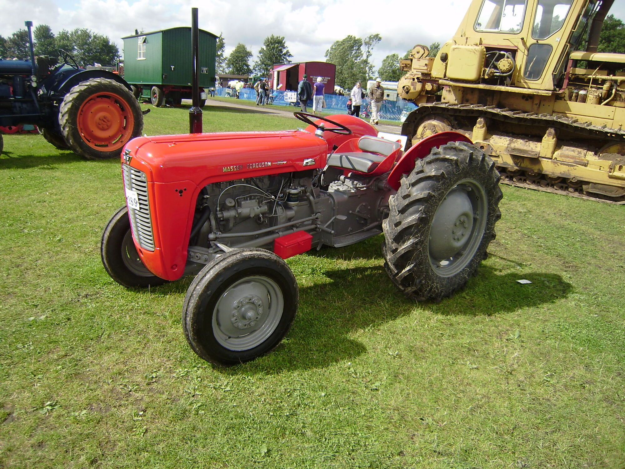 Massey Ferguson Combines : Massey ferguson products by series tractor