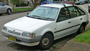 1987-1990 Ford Laser (KE) L 5-door hatchback (2011-01-13)