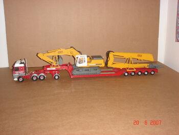 Chris Bennett low loader with Demo rig load
