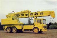 Hymac road crane1