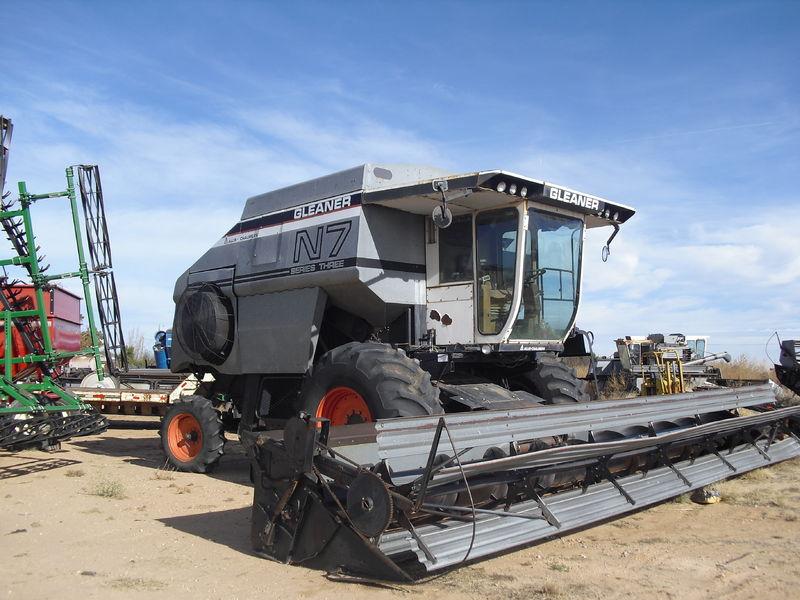 Gleaner E Combine : Allis chalmers gleaner n series iii tractor